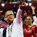ロンドン五輪、体操女子団体決勝で金メダル獲得を喜ぶジョン・ゲダート容疑者(2012年7月31日撮影、資料写真)。(c)AFP