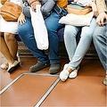 地下鉄内での飲食が横行するソウル 不便を訴える市民が急増