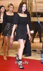 【PHOTO】MOMOLAND「第8回 大韓民国芸術文化人大賞」授賞式に出席…メンバーのイメチェンに注目(動画あり)