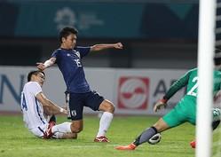 89分、日本は上田がPKを誘う。かなり微妙な判定だったがこの大チャンスをしっかり決め切り、日本が8強に勝ち進んだ。写真:徳丸篤史