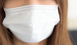 新型肺炎、インフルエンザに加えて今年は暖冬で、花粉の飛散が例年より早い。マスクの品切れ状態が続いている