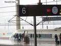 中国メディア・参考消息網は24日の記事で、海外の専門家の見解や報道を引用し、日中が競合するとみられるマレーシア・シンガポール間の高速鉄道は中国が優勢と伝えた。写真は中国の高速鉄道。