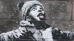 落書きが1億円で落札される正体不明の覆面アーティスト「バンクシー」の新作が発見される