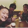 香取慎吾さんが自身のインスタグラムにアップしていた稲垣吾郎さん、草なぎ剛さんとの3ショット写真