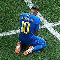 試合後は涙を流しながらピッチに崩れ落ちたネイマール【写真:Getty Images】