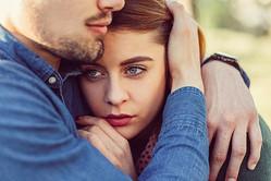 どうせ私なんて…彼の愛を重荷に感じてしまう「残念な女」の特徴 #9