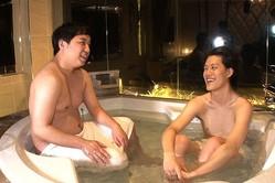粗品、ラブホテルの浴槽で悲鳴…!霜降り明星、2つの冠番組がコラボ