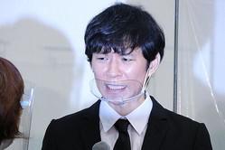 記者会見を開いた渡部建さん(2020年12月3日撮影)