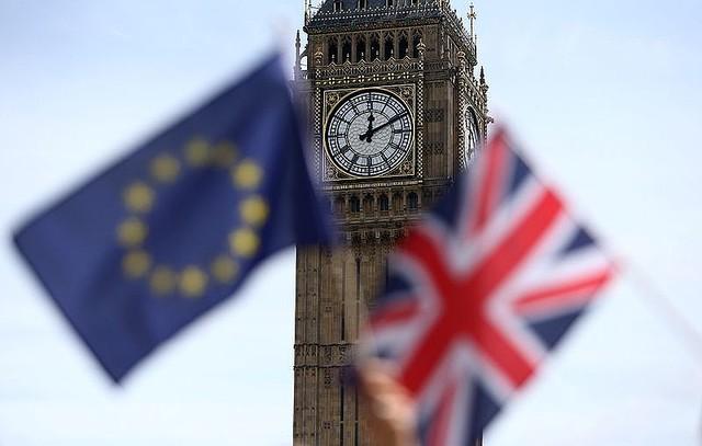 英とEU、北アイルランドへの貿易ルール適用巡り協議が進展=FT