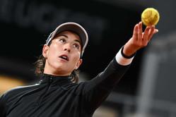 テニス美女が27歳の誕生日を祝ってロードトリップ