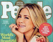 47歳で「世界で最も美しい人」に選ばれたジェニファー <2016年5月2日の『ピープル誌』表紙>