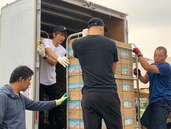 滝沢秀明氏が千葉でボランティア活動 活動自粛中の橋本涼も同行