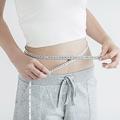 食事制限をしたり食事内容を改善したり、運動をいくら頑張っても体重が減らないのであれば、それは便秘が原因かも!?