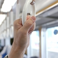 20歳女性、通勤電車でよく見る男性に一目惚れ