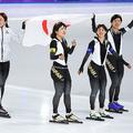 金メダルを獲得した女子団体パシュートの日本代表(写真:Getty Images)