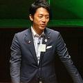 9月8日、青山学院大で講演する小泉進次郎氏。総裁選での石破茂・元地方創生大臣への支持表明が出るのではないかと、多数の報道関係者が駆けつけた