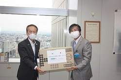 駐日韓国企業連合会 東京都に防護服を寄付