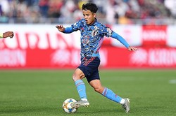 U-22日本代表として初の試合をこなした久保。 写真:茂木あきら(サッカーダイジェスト写真部)