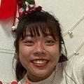 殺害された吉岡桃七さん。インスタグラムに自室らしき場所で友人と楽しそうにする姿が投稿されていた