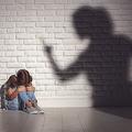 子どもを愛せない母親の理屈 愛着障害の子が親になると起こる悪循環