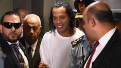 ロナウジーニョ、刑務所内フットサルで無双。11-2で勝利に導く…5ゴール6アシストとも