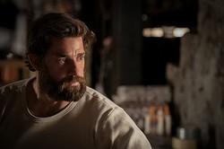 『クワイエット・プレイス』より、家族を必死に守る父親を演じたジョン・クラシンスキー  - (C) 2018 Paramount Pictures. All rights reserved.