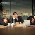 やたら疲れている日本の会社員 生産性が高いGoogleの取り組みとは?