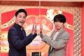 『歌ネタゴングSHOW 爆笑!ターンテーブル』MCの(左から)桐山照史(ジャニーズWEST)と、審査員として出演する三宅健(V6)