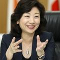 いま最も総理に近い女性!?(野田聖子総務相、写真:時事通信フォト)