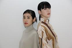 インタビューに応じた三吉彩花(右)&阿部純子