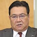 インタビューに応じるNTTドコモの井伊社長(14日、東京都千代田区で)