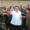 朝鮮人民軍の第1524軍部隊を視察した金正恩氏(2018年6月30日付朝鮮中央通信)