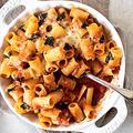 気分はイタリアの家庭料理!大皿で豪快に作る「ベイクドパスタ」