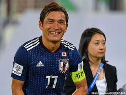 試合後、安堵の笑みを浮かべるMF青山敏弘