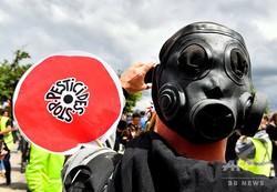 フランス・ボルドーで農薬使用禁止を訴える人(2019年5月18日撮影、資料写真)。(c)GEORGES GOBET / AFP