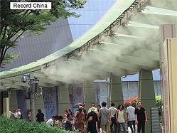 日本は各地で連日猛暑が続いているが、真夏に開催される東京五輪も熱中症などのリスクが懸念される。写真は東京・六本木。
