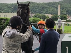 【ラジオNIKKEI賞】田辺「外枠を引けたのは良かった」ブレイキングドーンが重賞初制覇