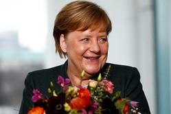 アングル:独与党党首が突如退任、ポストメルケル3つのシナリオ