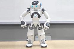 ソフトバンクの人型ロボット「NAO」
