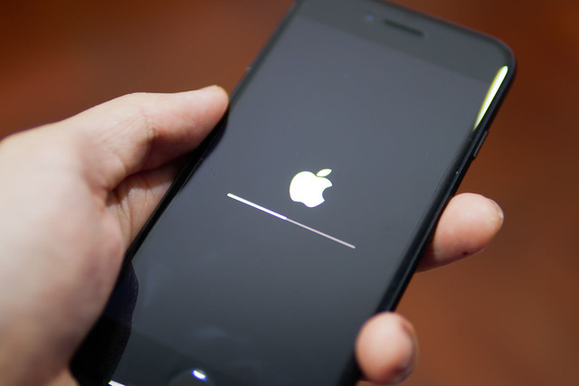 [画像] iOS 12.1.2にモバイルデータ通信が繋がらない不具合?世界中から報告が相次ぐ