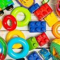 最初のレゴに「緑色」はなかった?意外と知らない「玩具」の世界