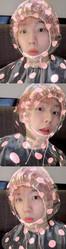 EXO ベクヒョン、アプリでレインコート姿の少年に変身…お茶目な表情