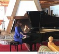 加藤綾子が投稿したピアノ写真 志村けんがハートの絵文字で反応