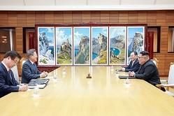 南北首脳会談(5月26日、AFP=時事)
