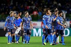 ベネズエラに1-4で敗れた日本。選手たちは暗い表情を浮かべた。写真:金子拓弥(サッカーダイジェスト写真部)