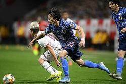 日本代表にも名を連ねる室屋。プロになるまでどんなキャリアを辿ってきたのか。金子拓弥(サッカーダイジェスト写真部)