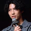 ドラマ「死にたい夜にかぎって」イベントに登壇した主演の賀来賢人