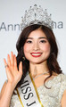 <2019ミスジャパン>グランプリに輝いた土屋炎伽さん(中央)(撮影・会津 智海)