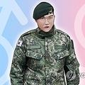韓国陸軍は休暇中に海外で男性から女性への性別適合手術を受けて復帰した副士官について、除隊させる決定を下した(イラスト)=(聯合ニュース)