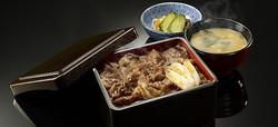 肉好き必見! 吉野家「サーロインのすき焼き重」が歓喜の格安プライス!